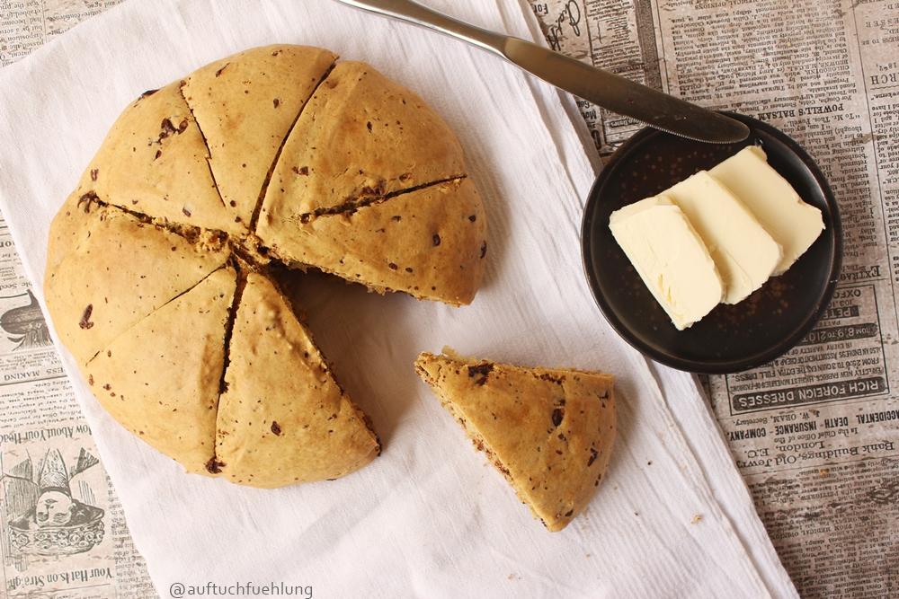 chocolate_chip_scones_1