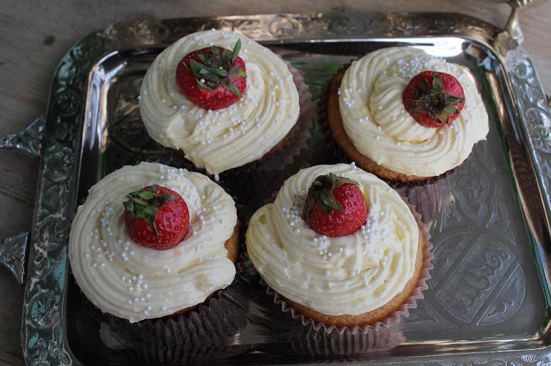 whitecupcake2