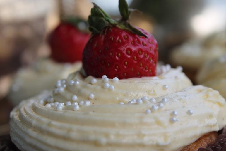 whitecupcake3